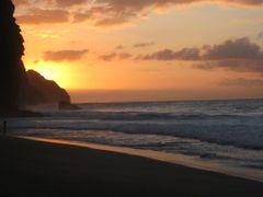 Napali Sunset by <b>livingworld</b> ( a Panoramio image )