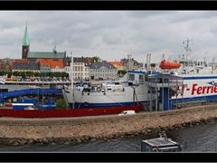 Panorama of port in Helsing?r - Denmark by <b>Sergej Esnault</b> ( a Panoramio image )