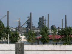 "Ch""ongjin: Kimchaek Steel Works by <b>Eckart Dege</b> ( a Panoramio image )"