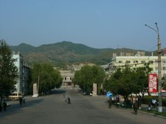 "Ch""ongjin: Provincial Theatre and graves on the hills behind by <b>Eckart Dege</b> ( a Panoramio image )"