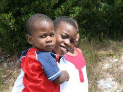 Enfants de Staniel cay by <b>JacquesOuellet</b> ( a Panoramio image )