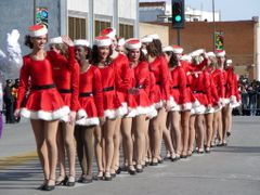 "Santa""s helpers came to town with Santa by <b>Christopher B. Rose</b> ( a Panoramio image )"