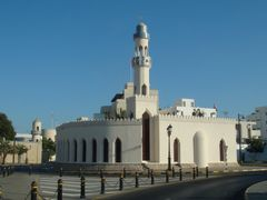 a Masjid in Muscat by <b>~Bassam</b> ( a Panoramio image )