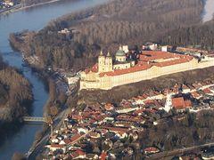 Melk / Donau (Aereal View) by <b>AustrianAviationArt</b> ( a Panoramio image )