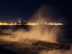 Malecon Habana by <b>Costameiga</b> ( a Panoramio image )
