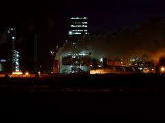 Antwerpen Industry seen from the Scheldelaan, Belgium by <b>© Andre Speek</b> ( a Panoramio image )