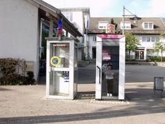 Telefonkabinen (Schweiz / Deutsch) in Busingen by <b>digitalfotoarchiv.ch</b> ( a Panoramio image )