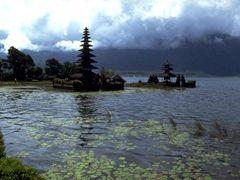 Bali, Lake Bratan by <b>© Wim</b> ( a Panoramio image )