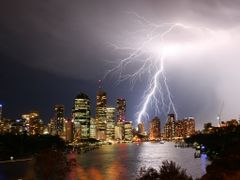 Lightning Storm Over Brisbane City by <b>Aaron Kelly</b> ( a Panoramio image )