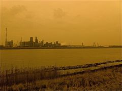 Schelde in Oil Industry by <b>Filip Kotrly</b> ( a Panoramio image )