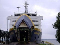Casino Express in Vaasa Harbour by <b>Martonne Lang Boglarka</b> ( a Panoramio image )