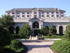 Memorial Union, Iowa State University by <b>tcufrog86</b> ( a Panoramio image )