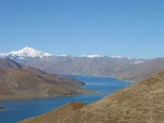Yamdrok-Tso (lake) from Kampa La (Pass) (5000m)_2003_10_05 by <b>dom88</b> ( a Panoramio image )