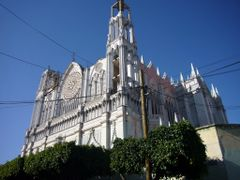 Templo expiatorio del Sagrado Corazon by <b>blenzco</b> ( a Panoramio image )