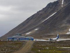 Kulusuk Airport by <b>Olga F.</b> ( a Panoramio image )