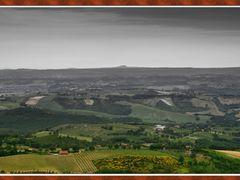 Est est est ... Montefiascone vista da Civitella del lago by <b>nailord</b> ( a Panoramio image )
