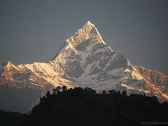 "(messi08) The Machapuchare (6""993m) in the early morning [00°]  by <b>©polytropos</b> ( a Panoramio image )"