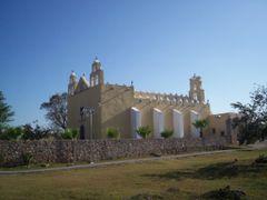 Templo de San Jose Cholul by <b>Hernando Rosado</b> ( a Panoramio image )