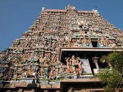 Tamil Nadu Meenakshi-Sundareswarar temple tower by <b>snorth</b> ( a Panoramio image )