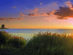 "Harsen""s Island, View across Lake St. Clair, Twin Sisters Lighth by <b>HAMANA</b> ( a Panoramio image )"