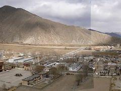 Quxu by <b>cizhen1982</b> ( a Panoramio image )