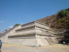 Una parte de la piramide reconstruida by <b>Alejandro Guzman Robles</b> ( a Panoramio image )