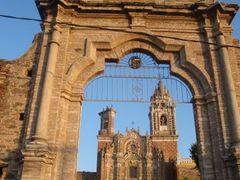 Iglesia de San Francisco Acatepec by <b>Alejandro Guzman Robles</b> ( a Panoramio image )