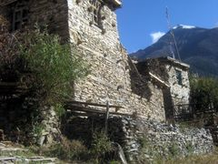 En montant a Upper Pisang by <b>gabolde</b> ( a Panoramio image )