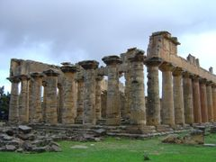 DORIC TEMPLE OF ZEUS, CYRENE, LIBYA by <b>Stefan11</b> ( a Panoramio image )