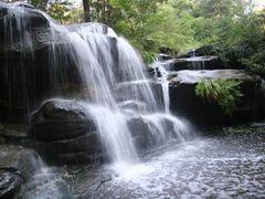 Balaka Falls, Hunts Creek, Carlingford, Sydney by <b>Ian Stehbens</b> ( a Panoramio image )