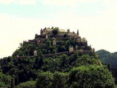 Ka/ Burg Hochosterwitz, Aufgang durch 14 Tore by <b>Karthauser</b> ( a Panoramio image )