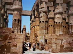 Templo de Luxor   by <b>Joan Felip</b> ( a Panoramio image )