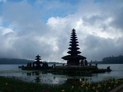 Pura Ulun Danau Bratan - Bali by <b>baba49</b> ( a Panoramio image )
