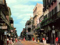 USA, le vieux carre sur Royal Street, le quartier Francais by <b>Roger-11</b> ( a Panoramio image )