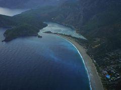"""Crepuscule sur la plage d""""Oludeniz by <b>wx</b> ( a Panoramio image )"""