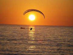 sunset and para by <b>sahin aybey</b> ( a Panoramio image )