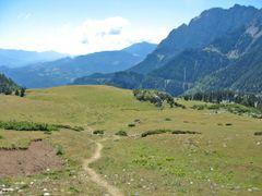 """""""Cavalls del vent"""": El Collell, vista del Pedraforca cara N by <b>joan miquel</b> ( a Panoramio image )"""