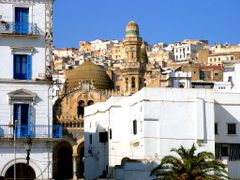 Alger: Place des Martyrs, Mosquee Ketchaoua et Casbah by <b>PedroRoncales</b> ( a Panoramio image )