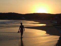 Puesta de sol en Punta Perula by <b>galfer</b> ( a Panoramio image )