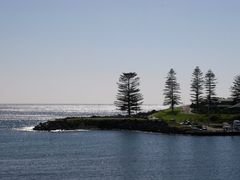 Rail Journey - Central to Kiama: Kiama Harbour by <b>Ian Stehbens</b> ( a Panoramio image )