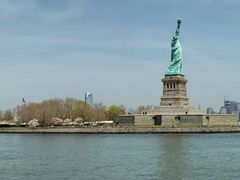 Statue of liberty and Manhattan panorama from the Ellis Island F by <b>Mauro/Ornella - New York 2008</b> ( a Panoramio image )