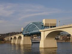 John Ross Bridge across the Tennessee River by <b>Marilyn Whiteley</b> ( a Panoramio image )