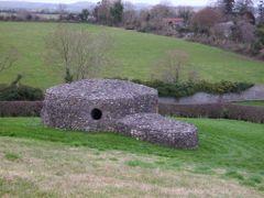 stonehouse, near Newgrange by <b>Aurelius Geticus</b> ( a Panoramio image )
