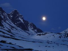 Moon over Store Skagastlstind 2405 m by <b>Snemann</b> ( a Panoramio image )
