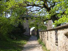 Salita al Burg Hochosterwitz by <b>RomaViaggi</b> ( a Panoramio image )