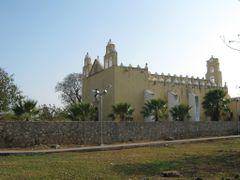 Iglesia San Pedro Cholul by <b>Jose Manuel Repetto Menendez</b> ( a Panoramio image )