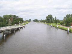 Delftse Schie (Zwethbrug) by <b>michiel1972</b> ( a Panoramio image )