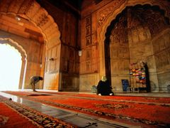 Colors inside a Mosque in India by <b>Joe Connors</b> ( a Panoramio image )