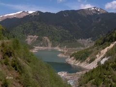 Barajul Gura Apei vazut din Godeanu by <b>mmircea</b> ( a Panoramio image )