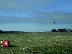 sunny landing at Ronaldsway by <b>voteforpedro</b> ( a Panoramio image )